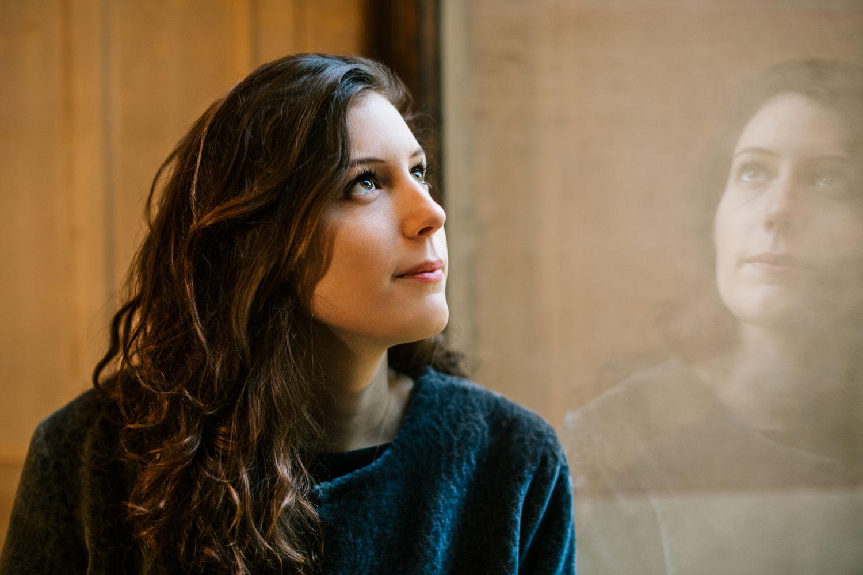 Portrait de Bérangère, étudiante en master 2 recherche en design à l'ENS Paris-Saclay